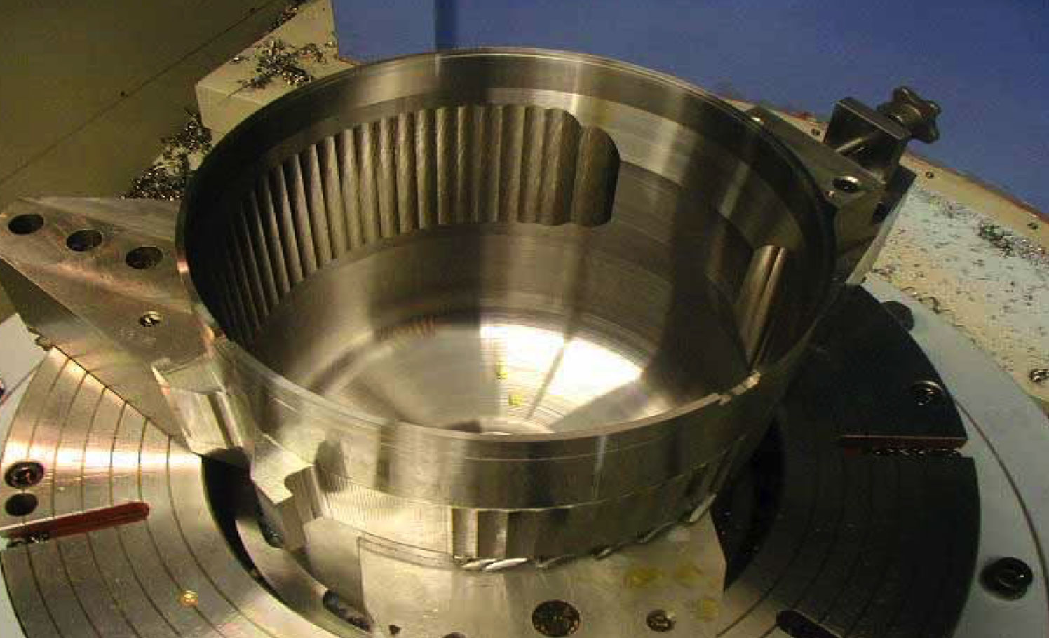 Complex-component-Gallery-Turning-drilling-grinding-2